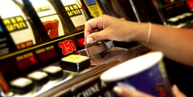 casino-juego-tragamonedas_MUJIMA20130318_0017_6